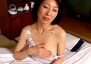 Milf Masturbating With Vibrator Having Orgasm On